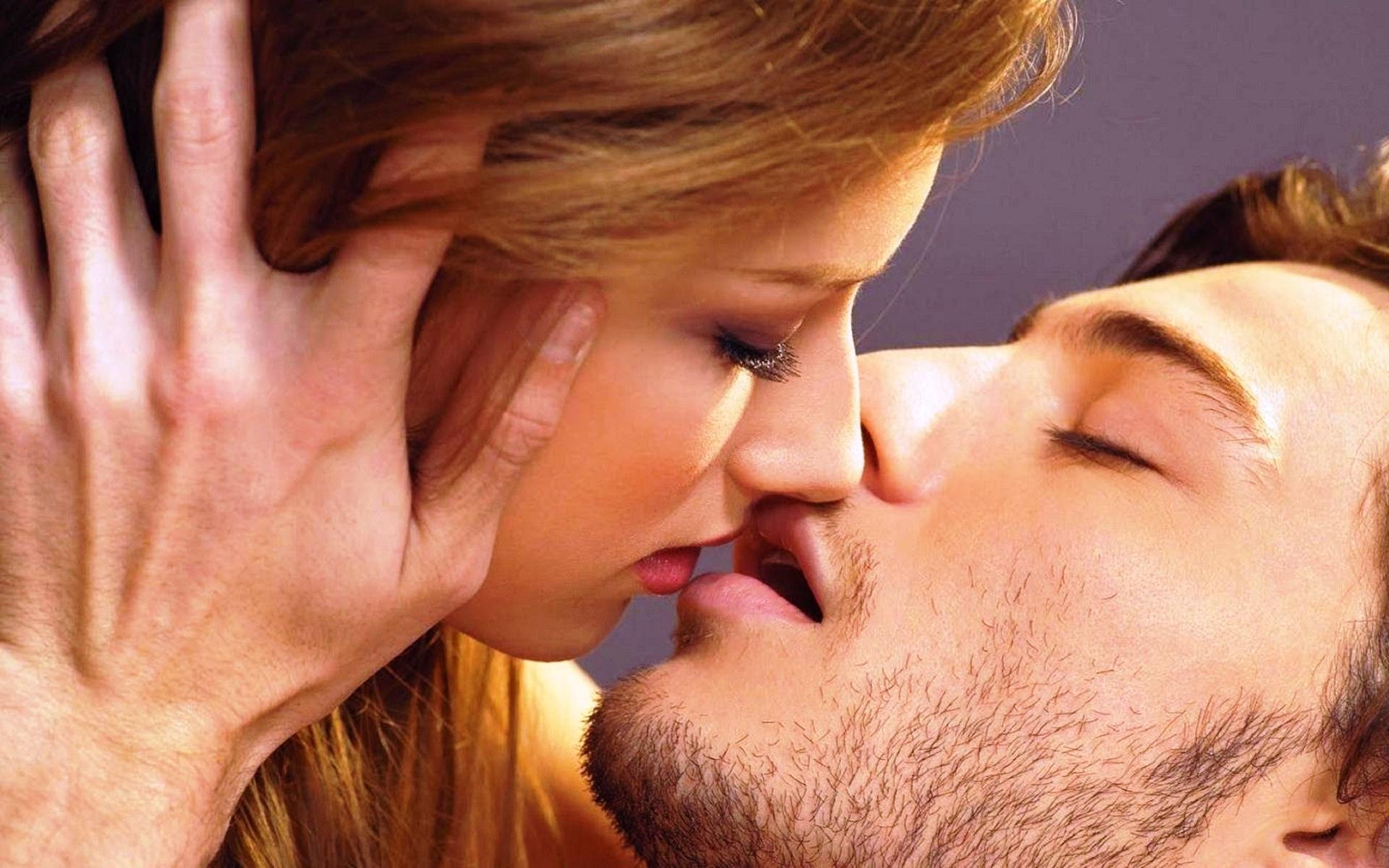 К чему снится страстный поцелуй в губы
