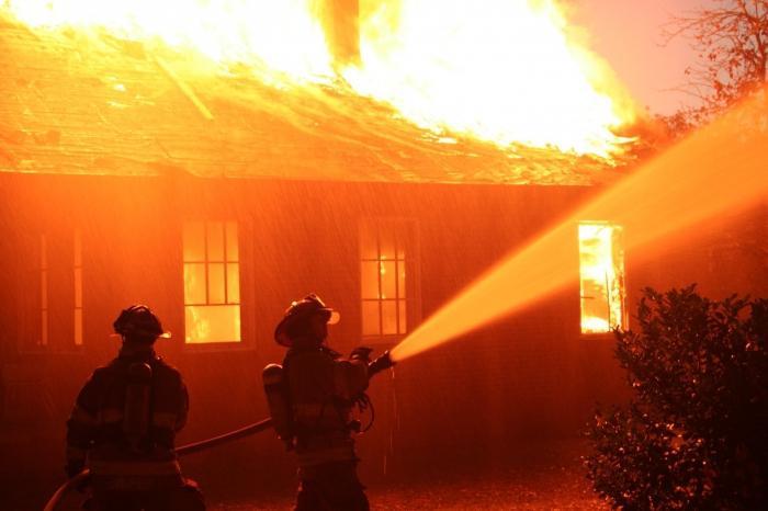 Из этой статьи вы узнаете, что же вам нужно сделать, если в вашем сновидении вы увидели пожар, а так же на детали, к которым следует подойти с большей внимательностью.