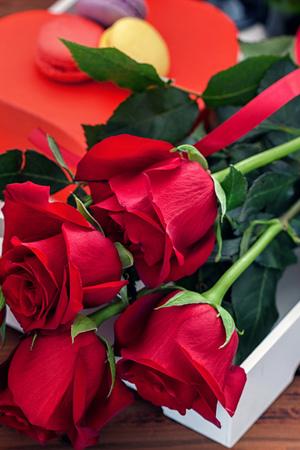 Видеть во сне розы