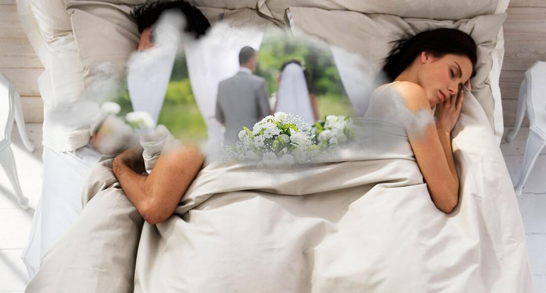 Чтобы узнать к чему снится подобное сновидение, следует обратить внимание на обстановку.